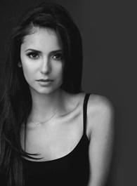 妮娜·杜波夫