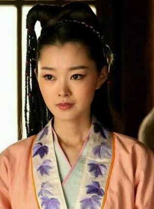 雁原唱女中�_南雁:多年跟随狄仁杰左右,也是狄仁杰的助手,倾心李元芳的西域少女.